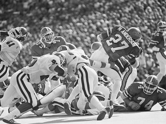 1985 UF v Rutgers action.jpg