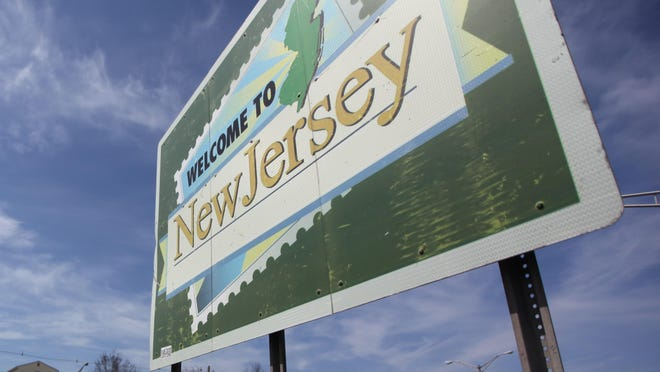 'Welcome to New Jersey' sign in Pearth Amboy .