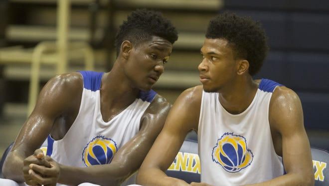 Marvin Bagley III (right) and Deandre Ayton were teammates for a while in Arizona.
