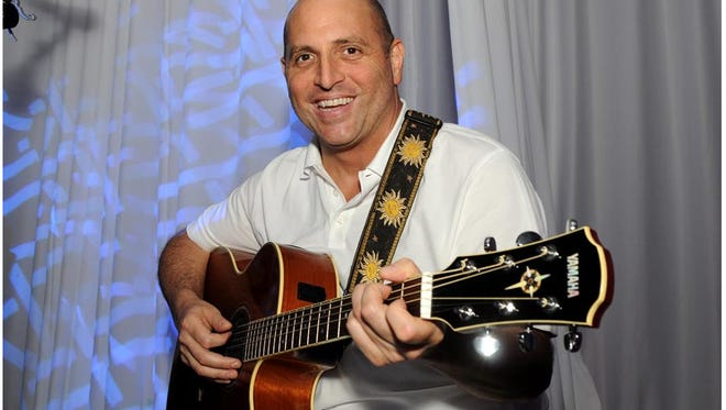 Singer-guitarist Rick Arzt plays acoustic music every Thursday at 6 p.m. at Jimmy's Grille Rehoboth, located on Route 1 north of the city.