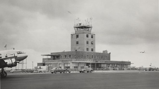 The main terminal shortly after opening, around 1955.
