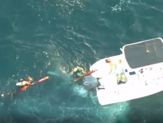 636690557331211154-divers-rescued.JPG