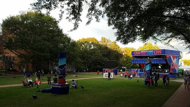 The atmosphere at Longwood in the afternoon before the debate was relaxed.