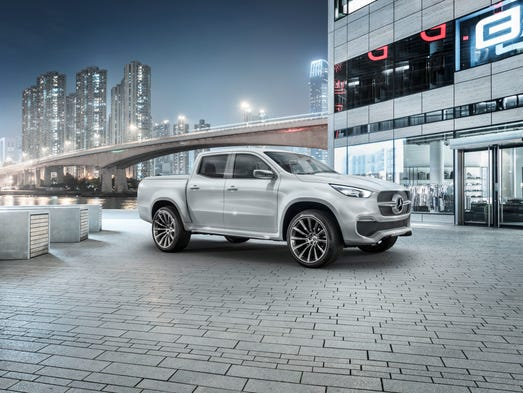 The stylish explorer design variant of the Mercedes-Benz