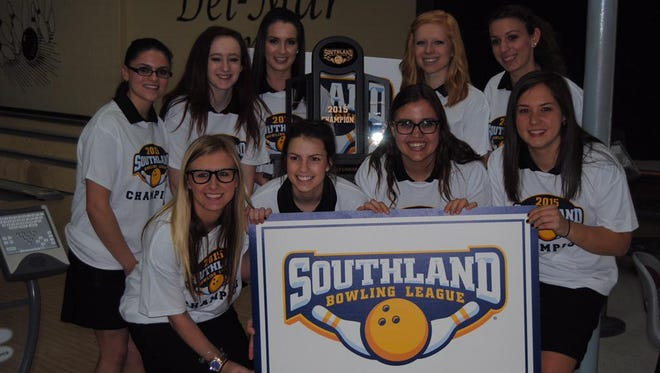 Vanderbilt's bowling team celebrates its Southland Bowling League tournament victory on Sunday in Houston.