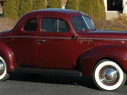 1940 Delux Coupe