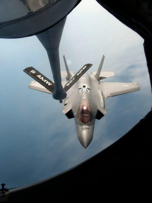 Mid-Air Refuel F-35