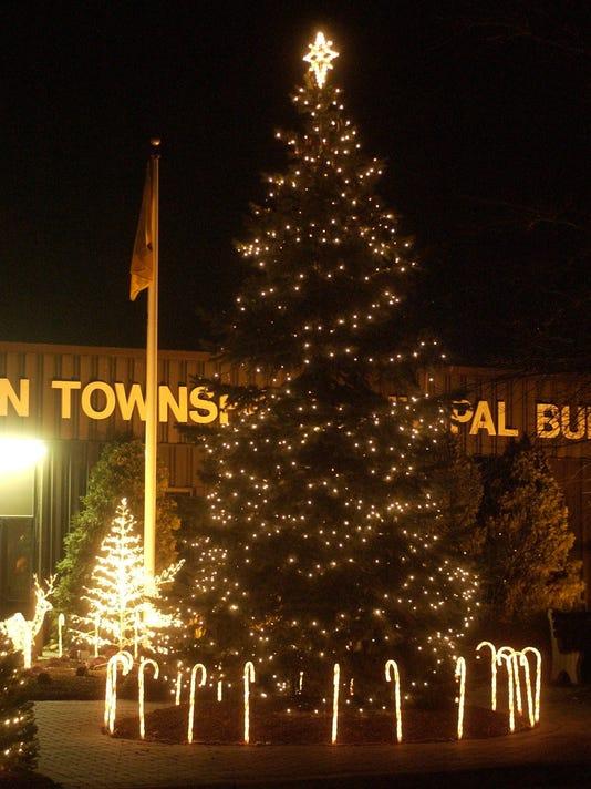 Title: CHRISTMAS TREE