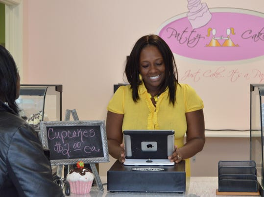 Cake Decorating Classes Wilmington Nc : Baking outlet leads to sweet job for Patty Cakes owner