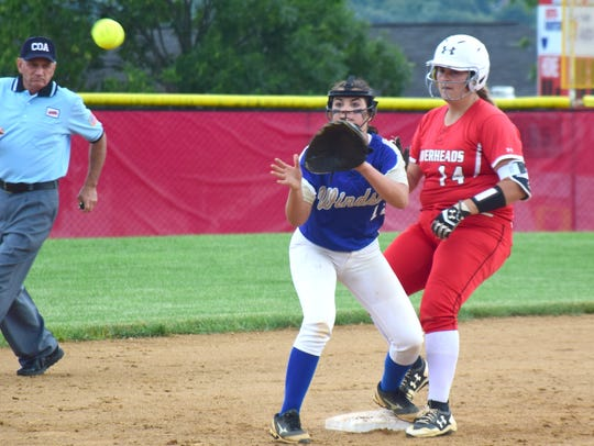 Riverheads' Danielle Shannon pulls into second base