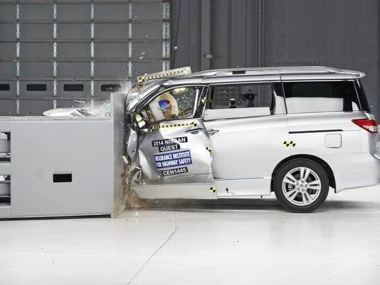 Crash Tests-Minivans_Polz.jpg