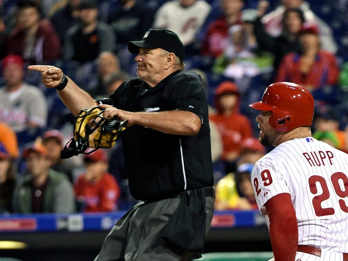Sept. 30: Umpire Bob Davidson tosses Mets relief pitcher