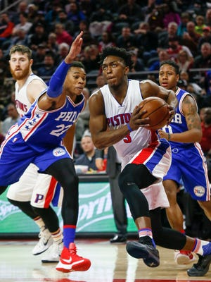 Detroit Pistons Stanley Johnson dribbles past Philadelphia 76ers Richaun Holmes, during the first half at the Palace of Auburn Hills in Auburn Hills, Mich. on Wednesday, Jan. 27, 2016. Kimberly P. Mitchell/Detroit Free Press