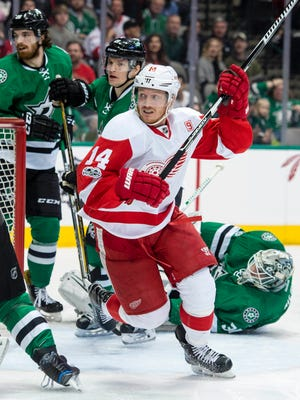 Jan 12, 2017; Dallas, TX, USA; Red Wings center Gustav Nyquist scores a goal against the Stars during the first period at the American Airlines Center.