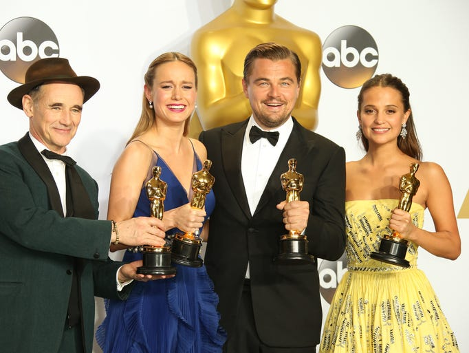 Oscar Winners Shine In The Trophy Room From Left Mark Rylance Brie Larson Leonardo Dicaprio