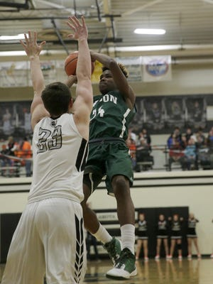 Mason's Kyle Lamotte scored 33 points in the Comet's 57-53 victory Friday.
