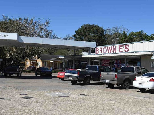 Brownie's in Eunice sold the winning Powerball ticket.
