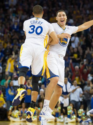 Stephen Curry (30) and Klay Thompson combined for 49 points, including eight 3s.