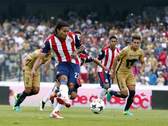 Chivas y Pumas sostuvieron un partido agradable para