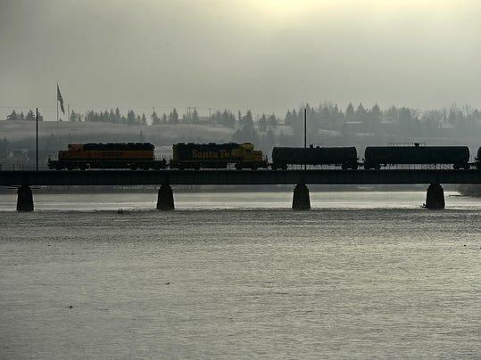 -12152014_bnsf train-a.jpg_20141215.jpg