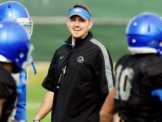 Mike Sanford helped Boise State average nearly 500