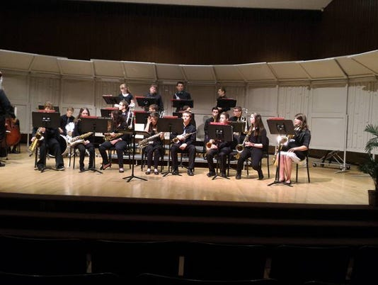 635984715125151767-hs-jazz-band-at-state-2.jpg