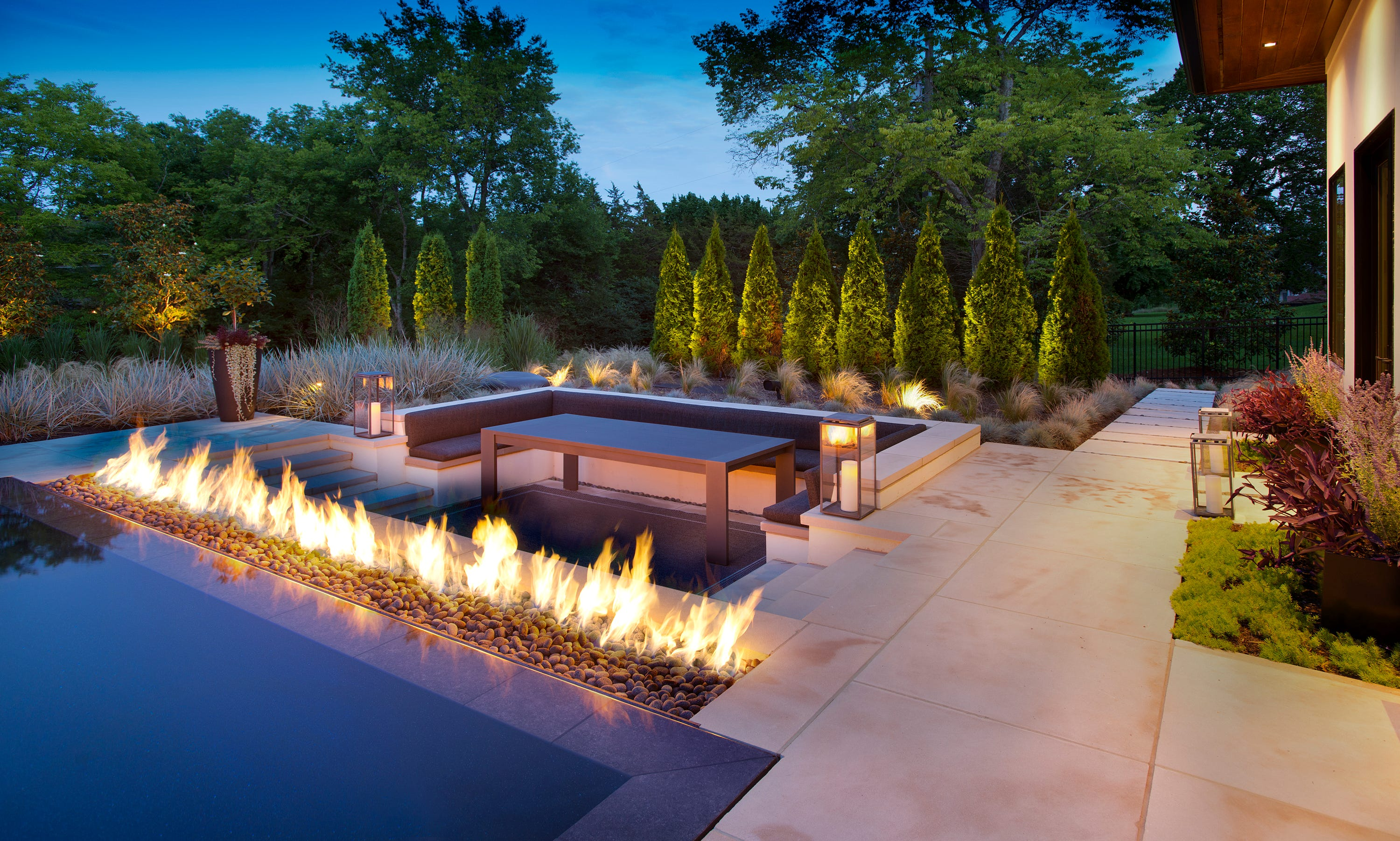 Superieur A Linear Fire Element Was Added To The Outdoor Living