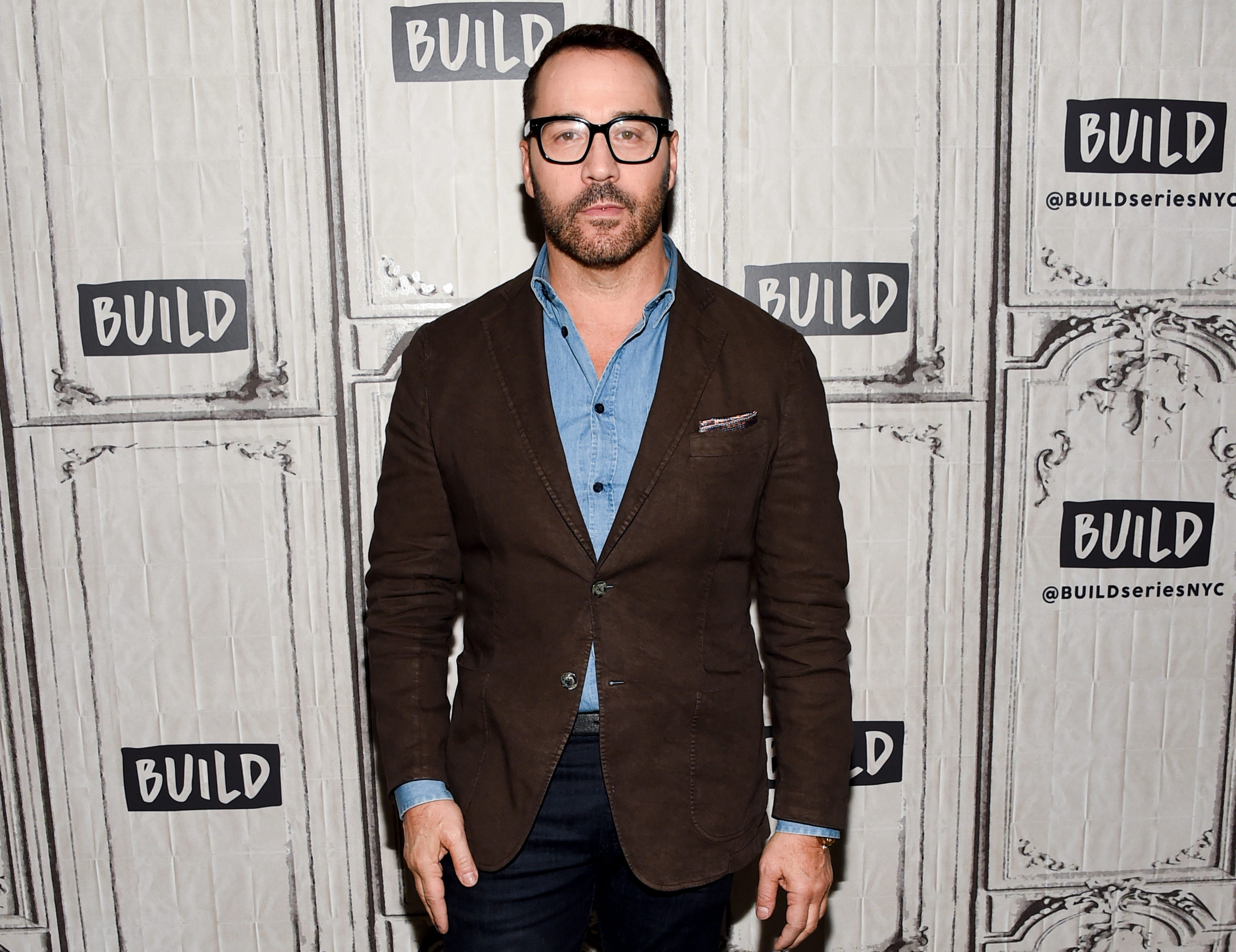 Watch Jeremy Piven Knows The Only Acceptable Way To Wear A V-Neck T-Shirt video