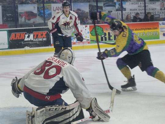 The Shreveport Mudbugs look to end a three-game slide at Corpus Christi with an early face-off Thursday.