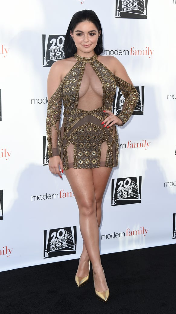 Modern Family S Ariel Winter Calls Out Minidress Haters
