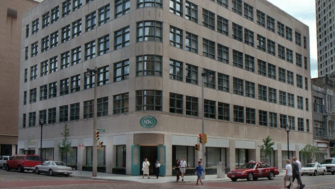 Downtown Milwaukee's Hotel Metro will undergo $4 million in renovations, and add Marriott Autograph to its brand name, under new plans.