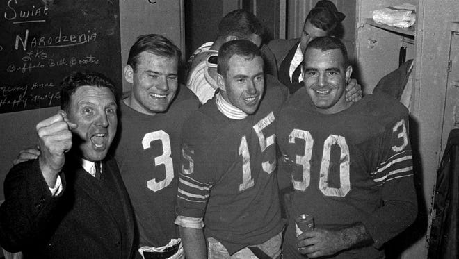 The last time the Bills won in Oakland in 1966, coach Lou Saban and kicker Pete Gogolak were gone, but quarterback Jack Kemp (15) and fullback Wray Carlton (30) were still mainstays on offense.