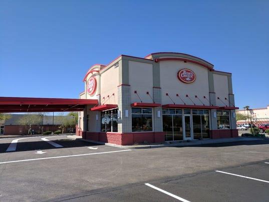 Bush's Chicken of Texas debuts in Arizona; Glendale store opens 3/20