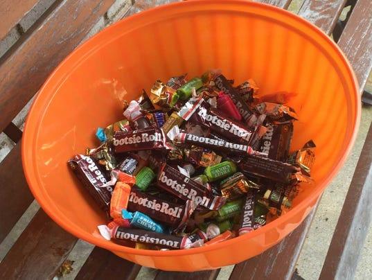 636451405004366197-halloween-candy.jpg