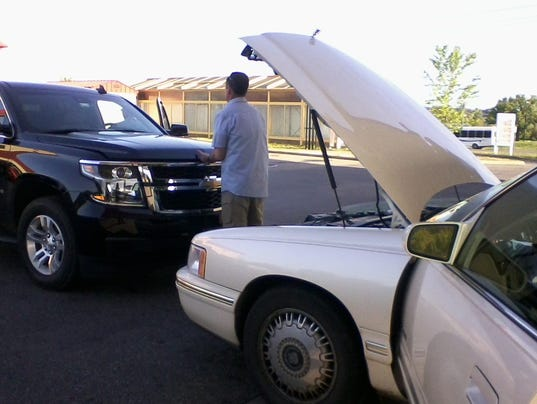 636606911835830072-Broken-down-car-.jpg