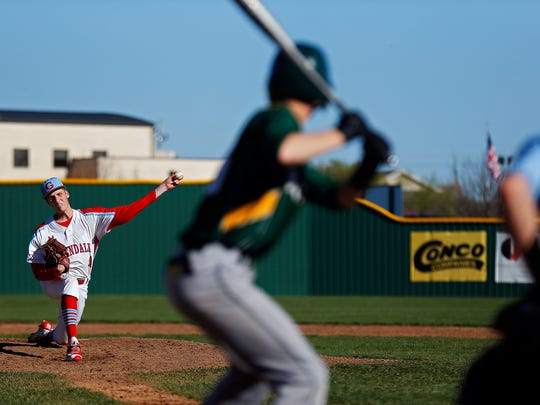 Glendale High School pitcher Caleb Combs (4) pitches