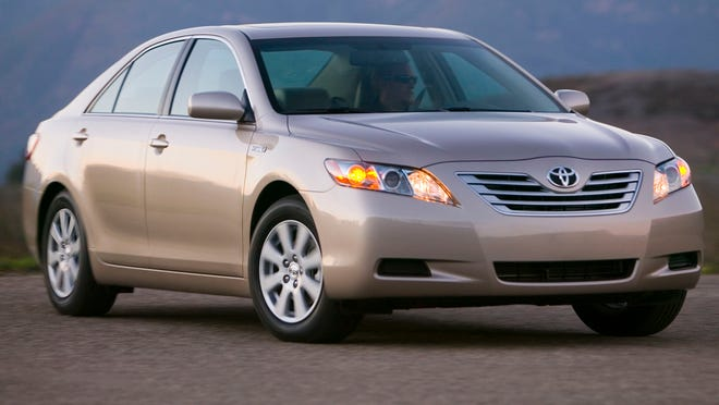 2007 to 2011 Toyota Camry Hybrid should be recalled, Consumer Reports says