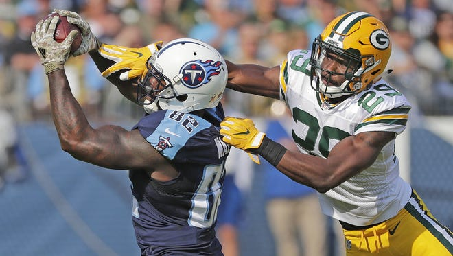 Jim Matthews/USA TODAY NETWORK-Wisconsin Packers safety Kentrell Brice (29) gives up a long reception to Titans tight end Delanie Walker (82) Sunday at Nissan Stadium. Green Bay Packers defensive back Kentrell Brice (29) gives up a long reception to tight end Delanie Walker (82) against the Tennessee Titans at Nissan Stadium in Nashville, TN Sunday, November 13, 2016.