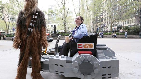 AP LEGO STAR WARS MILLENNIUM FALCON PEDICAB A CPACOM ENT USA NY