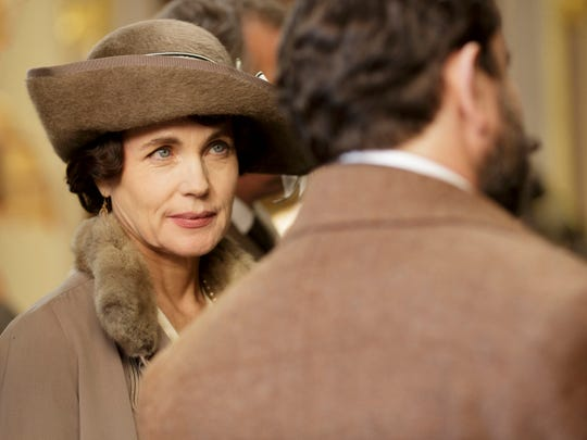 Elizabeth McGovern plays Cora, Countess of Grantham.