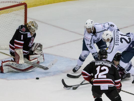 636127540062574601-sm2016-1021-iceflyers-championship-opening-night-fayetteville-0015.jpg