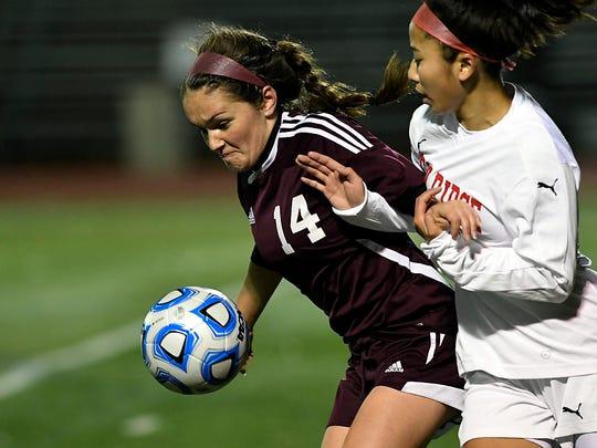 Park Ridge's Claire Perez (14) in the second half.