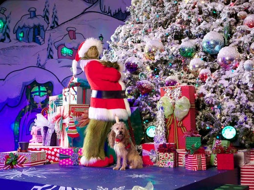 have a merry grinchmas at the universal theme parks - When Does Universal Studios Hollywood Decorate For Christmas