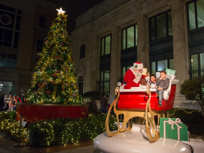 December's Gallery Night featured Santa in his sleigh