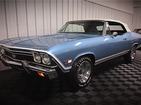 See prices of 15 stunning cars sold at Barrett-Jackson on Friday