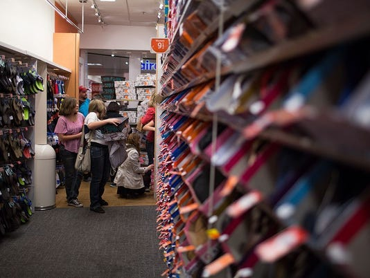PAYLESS REPORTEDLY EYES BANKRUPTCY