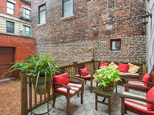 This historic Harlem townhouse was owned by  Bob Dylan from the 1980s until 2000