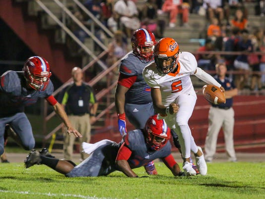636423275629460047-sm2017-0929-escambia-at-pine-forest-football-0001.jpg