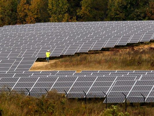 636437613175004745-solarfarm.jpg