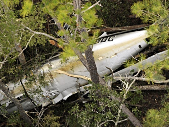 1-12-09, onlinePlane Crash aerial photos1 of 10Gary